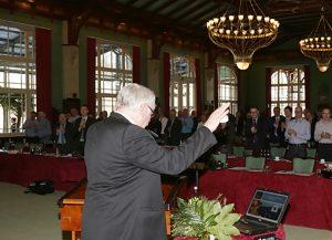 Standing Ovation für Jürgen Meyer bei dessen Verabschiedung als Präsidiumsmitglied des ZVA.
